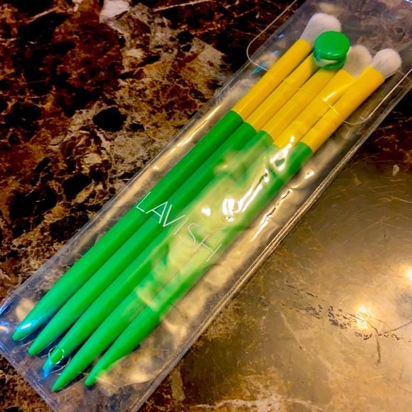 🔴3x$20 Lavish brushes set